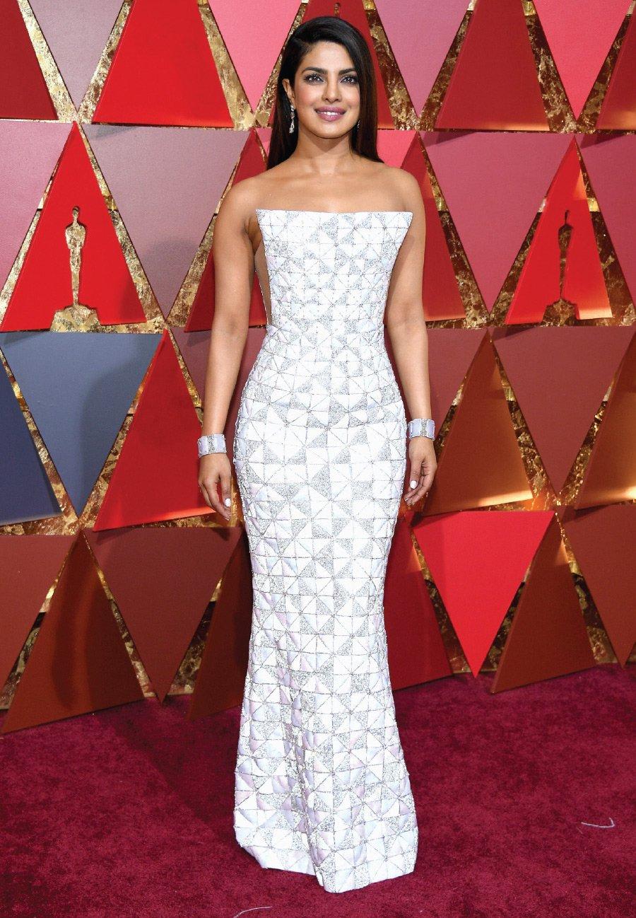 Priyanka Chopra From Miss World To Bollywood To Hollywood Wofs Com